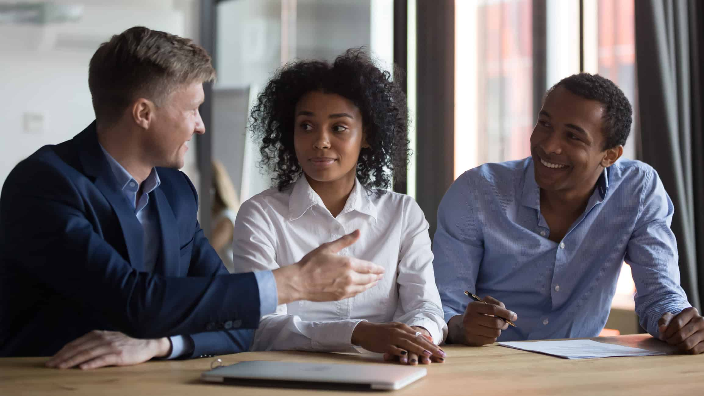 How a PEO Differs From a Staffing Agency and the Benefits for Your Business